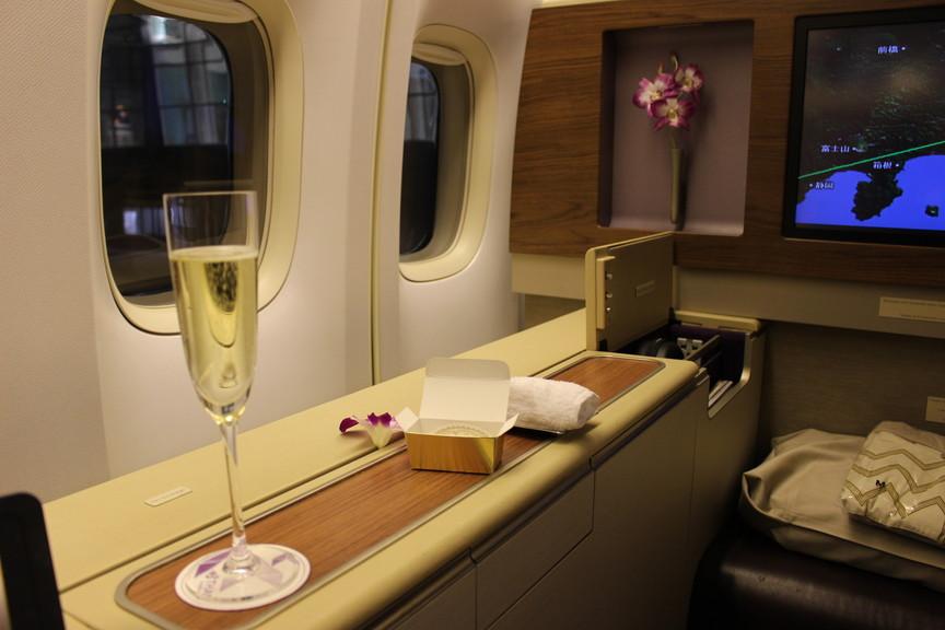[TG661]タイ国際航空ファーストクラス 羽田~バンコク 搭乗記