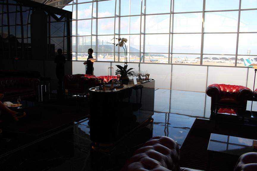 ザ・ウィング(The Wing) 香港国際空港ファーストクラスラウンジ